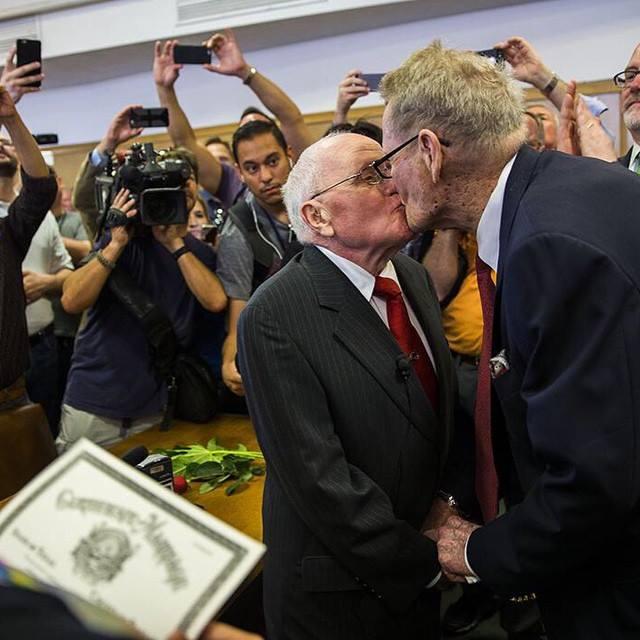 Primer matrimonio LGTB en Dallas #LoveWins